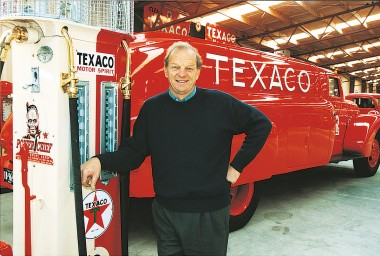 Bill Richardson in front of Texaco